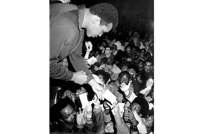 Muhammad Ali signs autographs at Yokota.